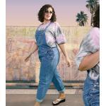 ASOS DESIGN Curve – Jeans-Latzhose in verwaschenem Mittelblau