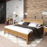 Bett aus Wildeiche Massivholz