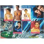 Briefmarken für Sammler–James Bond perforiert Stempel Blatt mit Halle Berry/James Bond/Somalia