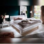 Bubema Massivholzbett Mondera, Balken-Bett mit Kopfteil, Holzfüße in Kufenform 180 x 200 cm Fichte lasiert, weiß