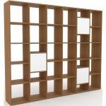 Bücherregal Eiche - Modernes Regal für Bücher: Türen in Weiß - 233 x 195 x 35 cm, Individuell konfigurierbar