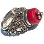 Ethnos Barcelona - Afghanischer Ring aus recyceltem Silber und Koralle. Größe: 17 3/4 (17,5mm Ø)