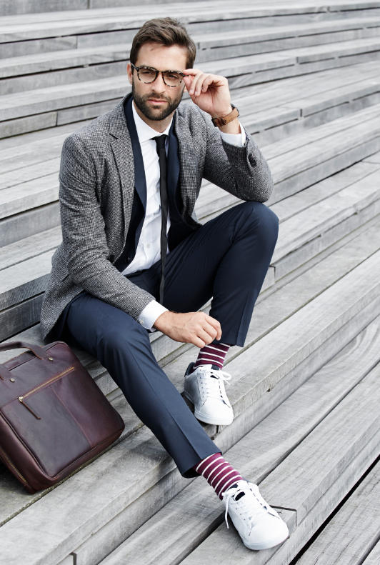 Anzug fliege zum grauen Welchen Anzug