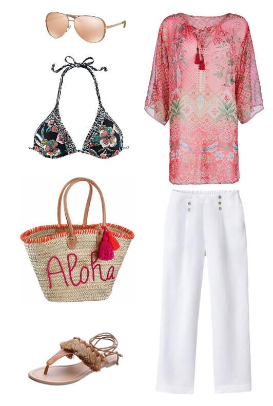 Outfit mit roter Tunika, Bikini, Strandtasche und Zehentrenner-Sandalen