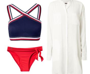 Strand-Outfit mit Bikini, Strandtunika, Birkenstocks, Sonnenbrille und Sonnenhut