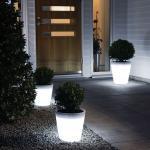 LED Pflanzentopf Assisi aus Kunststoff in weiß, 280 mm hoch