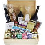 Schatzkiste Schlemmerbox - Delikatessen Geschenkset Feinkost in Holzkiste, Geschenkkorb italienisch mit Rotwein Primitivo, Prosecco, Olivenöl extra vergine und Grissini und Nudeln , Prosciutto