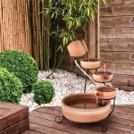 Solarbetriebener Bodenbrunnen Empoli aus Keramik und Metall mit Licht