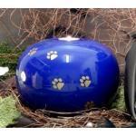 Tierurne - Kugel aus Keramik mit Trauerlichteinsatz, Blau glasiert, goldf. Pfötchenspuren, Vol. ca. 2,00 Ltr.
