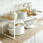 Yamazaki Küchenregal Regal Küchen-Organizer 60x22cm weiß Metall mit Holzgriffen Tosca 03803 4903208038034 (03803)